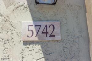 5742 W Autumn Vista Way, Florence, AZ 85132