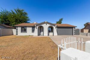 6936 W MERRELL Street, Phoenix, AZ 85033
