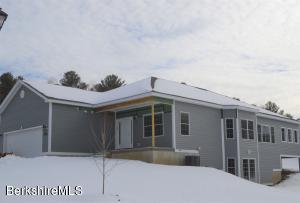20 Aspen Way, Pittsfield, MA 01201