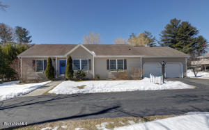 20 Parkview Ter, Lee, MA 01238