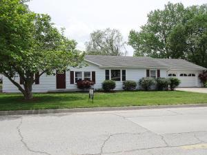826 E MCKINSEY ST, MOBERLY, MO 65270