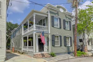 13 Savage Street, Charleston, SC 29401