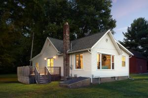 26461 New Guilford Road, Bladensburg, OH 43005
