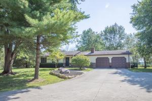 909 Ginder Road NW, Lancaster, OH 43130