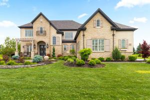 Welcome to this award winning Romanelli & Hughes parade home!