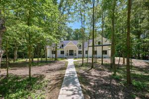 8117 Manitou Drive, Westerville, OH 43081