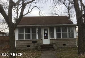 230 S Walnut Street, Duquoin, IL 62832