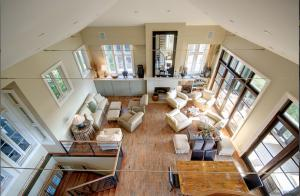 Vaulted Spacious Living Room