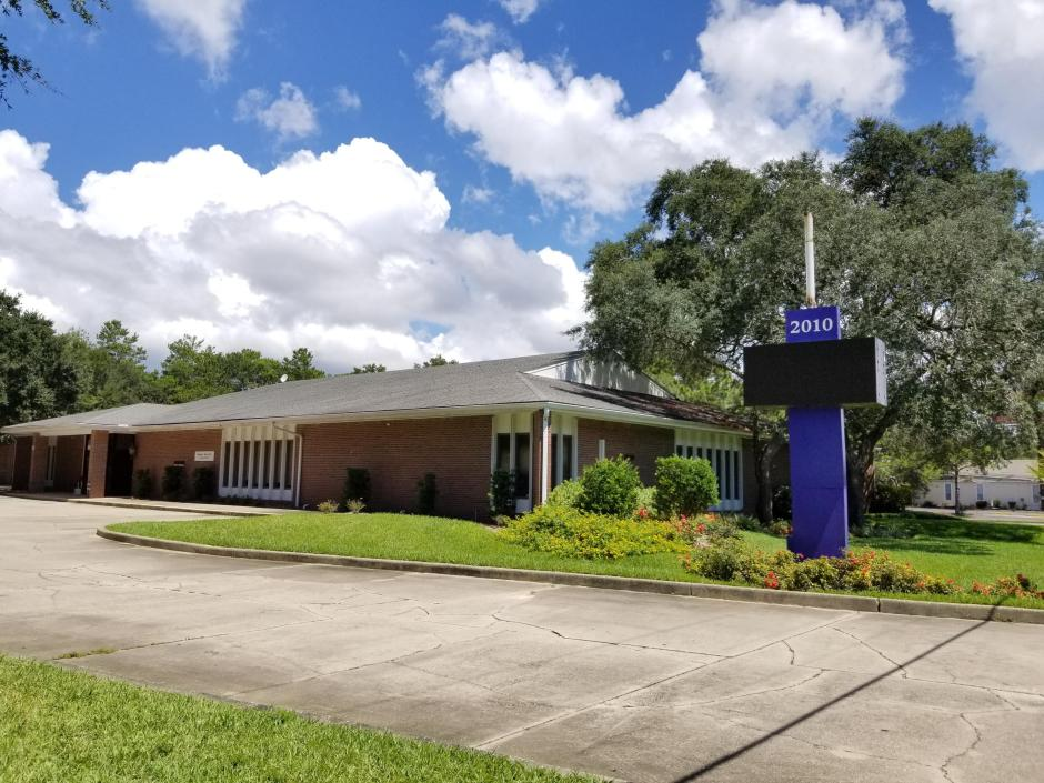 This premium medical/ professional office building is centrally located in Okaloosa county within the close proximity to the new Judicial Center, Okaloosa County Water Department, FWB Medical Center, NWF State College, and University of West Florida. The building consists of ~8,300 sqft of office space and ~2,300 of warehouse space. The office area is built out as a high-end medical space and has previously been occupied by Sacred Heart Medical Group. It consists of 13 exam rooms, 14 private offices, 3 large procedure/x-ray/MRI rooms, 2 conference rooms, a nurse's station, 4 bathrooms, a breakroom area, and plenty of storage. The warehouse has six roll-up doors for easy access from both sides of the building. The property has a very high hurricane resistance rating and features a significant security system. The building sits on 1.55 acres lot with plenty of parking, great ingress/egress, and has access from both Lewis Turner and Marnav Dr.