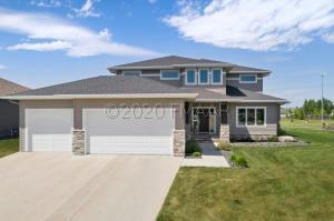 920 MULBERRY Lane, West Fargo, ND 58078