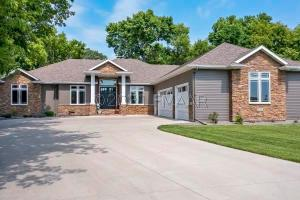 Welcome to 100 33 Ave E, West Fargo located in the Shadow Creek Addition.