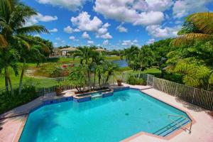 Property for sale at 4057 Bahia Isle Circle, Wellington,  Florida 33449