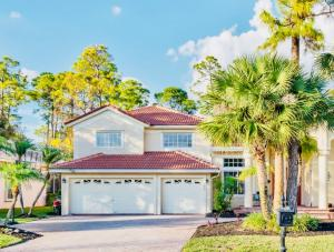 Property for sale at 600 Cypress Green Circle, Wellington,  Florida 33414