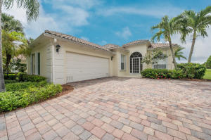 Property for sale at 8164 Pine Cay Road, Wellington,  Florida 33414