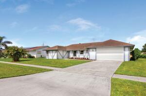 14751 Summersong Lane, Delray Beach, FL 33484