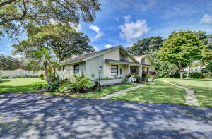 4332 S Palm Forest Drive, Delray Beach, FL 33445