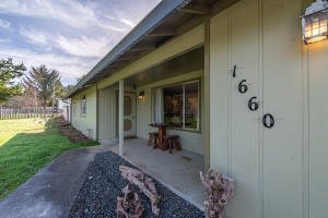 1660 Johnson Lane, McKinleyville, CA 95519