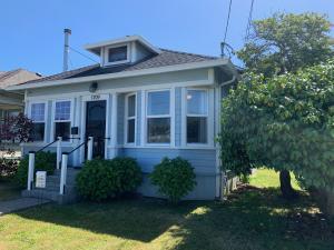 1709 West Avenue, Eureka, CA 95501