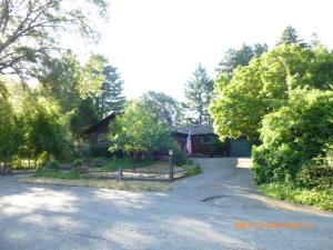 195 Sunset Drive, Redway, CA 95560