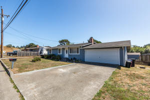 1100 Griffith Road, McKinleyville, CA 95519