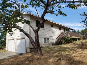 30 Spur Court, Shelter Cove, CA 95589