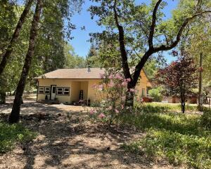 142 Oak Lane, Willow Creek, CA 95573