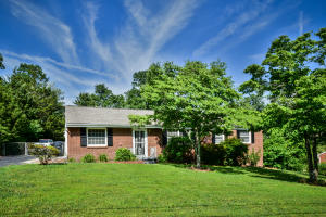 5608 Paula Rd, Knoxville, TN 37912