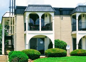 5709 Lyons View Pike, Apt 2204, Knoxville, TN 37919