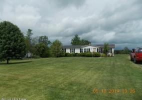 10036 Castle Hwy, Pleasureville, Kentucky 40057, 4 Bedrooms Bedrooms, 7 Rooms Rooms,2 BathroomsBathrooms,Residential,For Sale,Castle,1390705