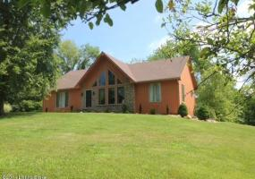 1801 Moody Ln, La Grange, Kentucky 40031, 4 Bedrooms Bedrooms, 8 Rooms Rooms,2 BathroomsBathrooms,Residential,For Sale,Moody,1394162