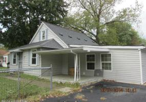 11015 National Turnpike, Fairdale, Kentucky 40118, 3 Bedrooms Bedrooms, 6 Rooms Rooms,1 BathroomBathrooms,Residential,For Sale,National Turnpike,1403755