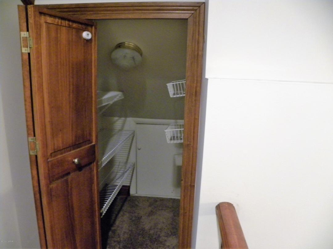 2608 Wilburlook Ln, Louisville, Kentucky 40220, 4 Bedrooms Bedrooms, 11 Rooms Rooms,3 BathroomsBathrooms,Residential,For Sale,Wilburlook,1518515