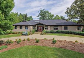 6208 Glen Hill Rd, Louisville, Kentucky 40222, 5 Bedrooms Bedrooms, 10 Rooms Rooms,9 BathroomsBathrooms,Residential,For Sale,Glen Hill,1535265