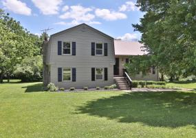 110 Parkview Rd, Louisville, Kentucky 40245, 4 Bedrooms Bedrooms, 8 Rooms Rooms,2 BathroomsBathrooms,Residential,For Sale,Parkview,1536308