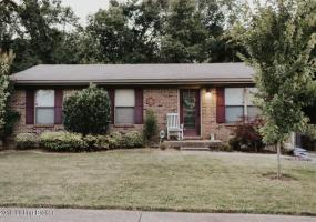 10103 Rolling Stone Dr, Louisville, Kentucky 40229, 3 Bedrooms Bedrooms, 7 Rooms Rooms,1 BathroomBathrooms,Residential,For Sale,Rolling Stone,1537772