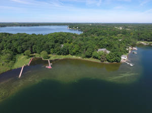 Property for sale at 4616 Hewitts Point Rd, Oconomowoc,  WI 53066
