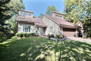 Property for sale at N37W26903 Kopmeier Dr, Pewaukee,  WI 53072