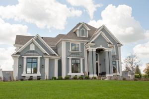 Property for sale at N33W29725 Woodridge Cir, Pewaukee,  WI 53072
