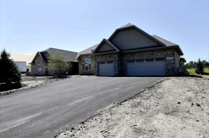Property for sale at N35W23697 Auburn Ct, Pewaukee,  WI 53072