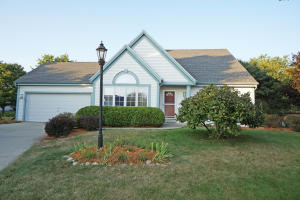 Property for sale at 533 Greenwood Ct, Pewaukee,  WI 53072