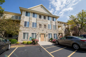 Property for sale at 520 Windstone Dr Unit: 312, Hartland,  WI 53029