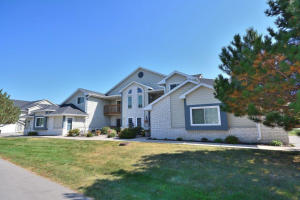 Property for sale at W240N2524 E Parkway Meadow Cir Unit: 6, Pewaukee,  WI 53072