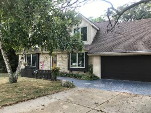 Property for sale at 749 Cambridge Ct, Hartland,  WI 53029