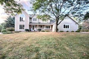Property for sale at N67W30867 Golf Rd, Hartland,  WI 53029