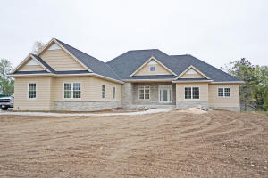 Property for sale at 1980 Carriage Hills Dr, Delafield,  WI 53018