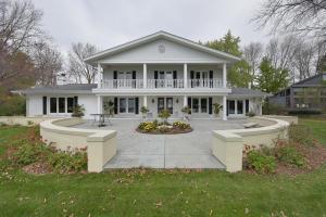 Property for sale at 212 Lac La Belle Dr, Oconomowoc,  WI 53066