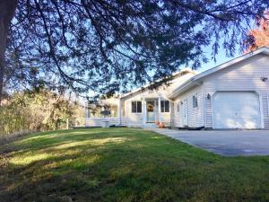 Property for sale at 3977 Nagawicka Rd, Hartland,  WI 53029