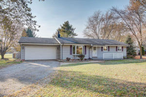 Property for sale at W215 Cottage Ave, Oconomowoc,  WI 53066