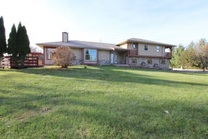 Property for sale at W298N8813 Camp Whitcomb Rd, Hartland,  WI 53029