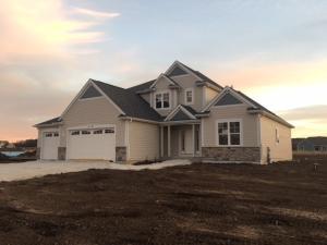 Property for sale at N69W27745 Leslie Ln Lt32, Hartland,  WI 53029